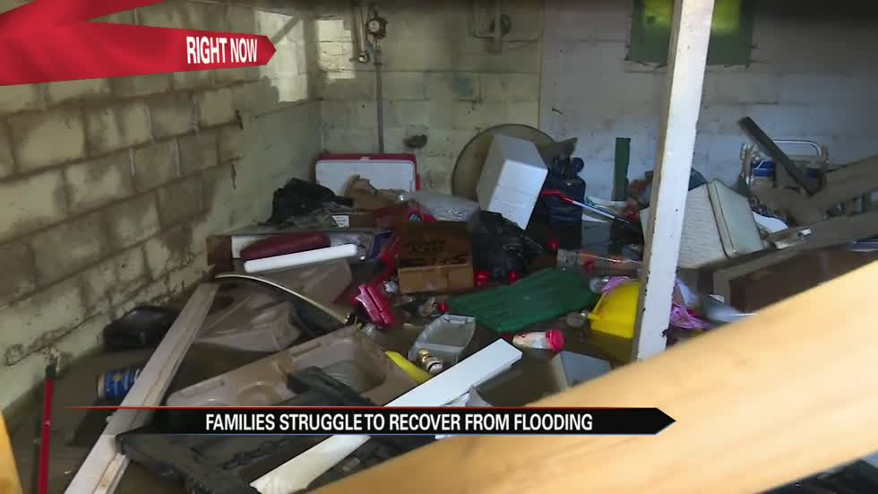 #57FloodRelief: Elkhart flood victims cleaning up drowned homes