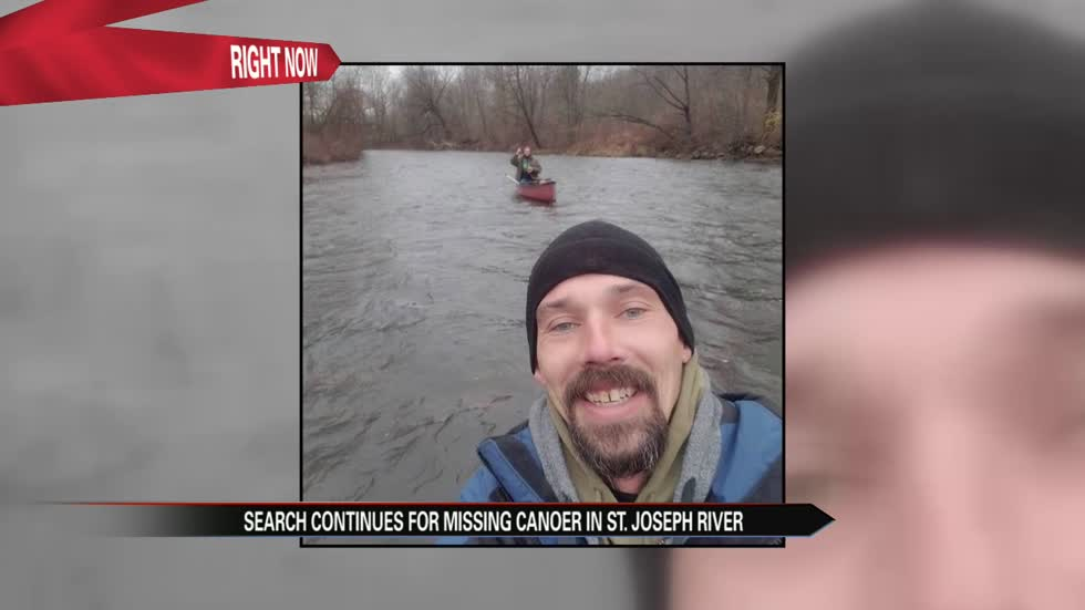 Search continues for missing man who was canoeing with friends