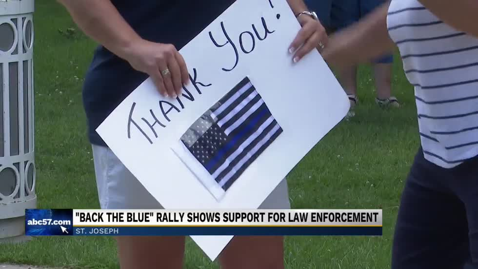 'Back the Blue' gathering in St. Joseph to show support for police