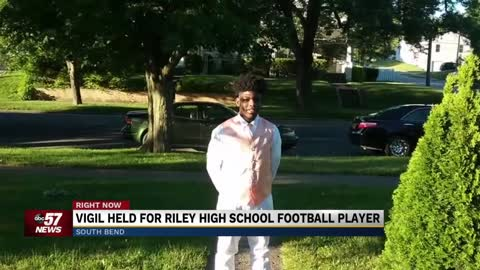 Community gathers to remember Riley High School football player