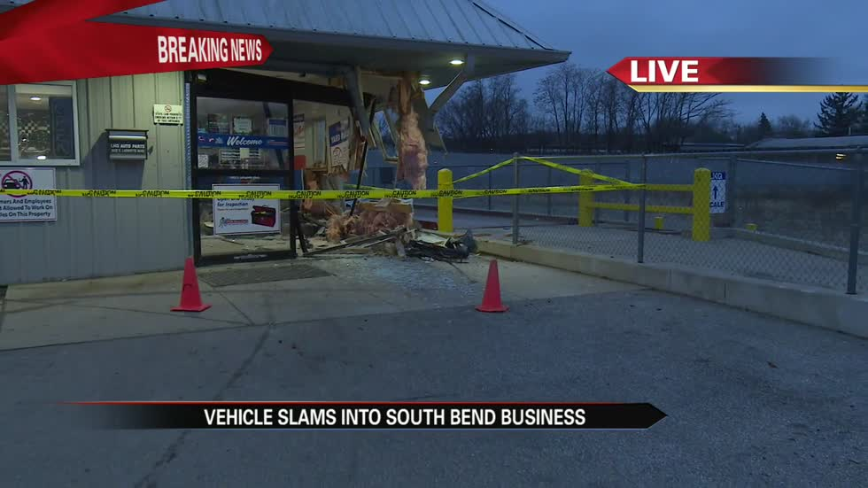 Driver crashes car into South Bend business, attempts to flee