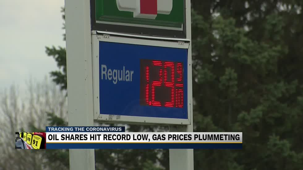 Expert on oil industry discusses low gas prices in South Bend