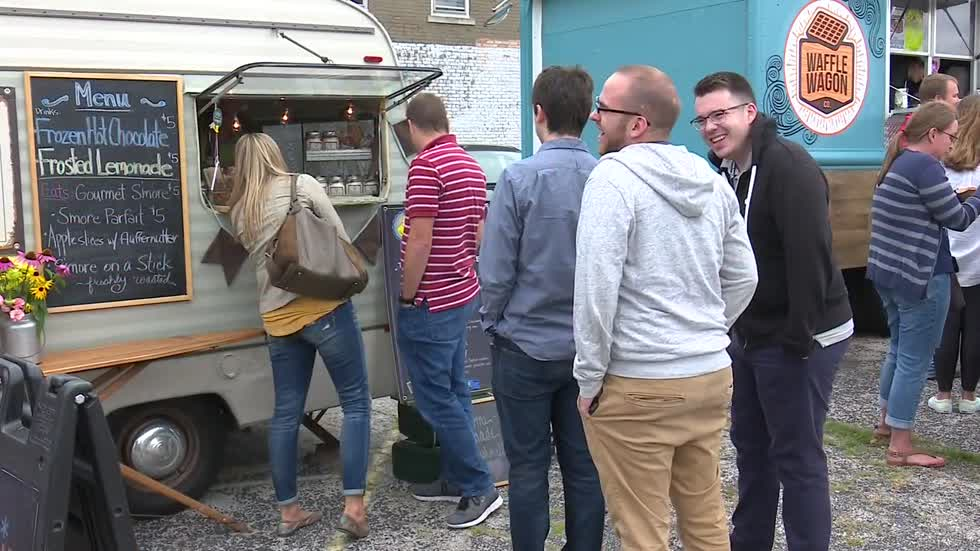 Food Truck Friday takes hold of Downtown South Bend