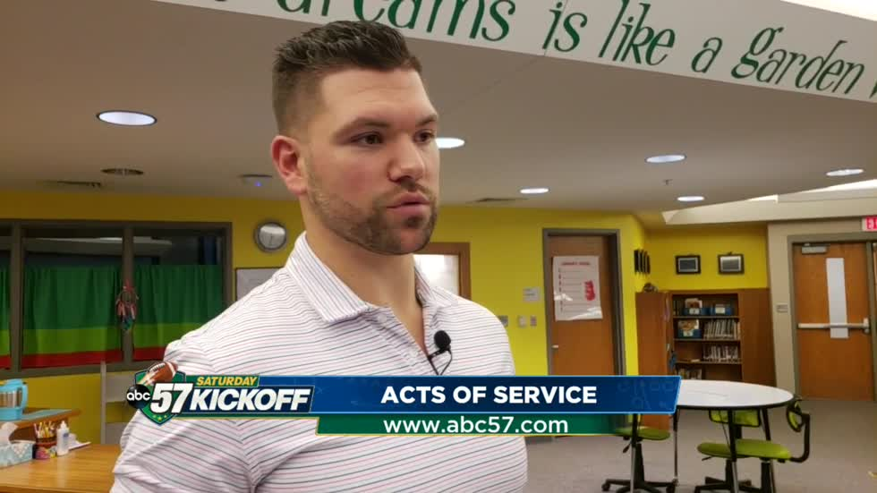 Former Fighting Irish player makes it his mission to give back through Acts of Service