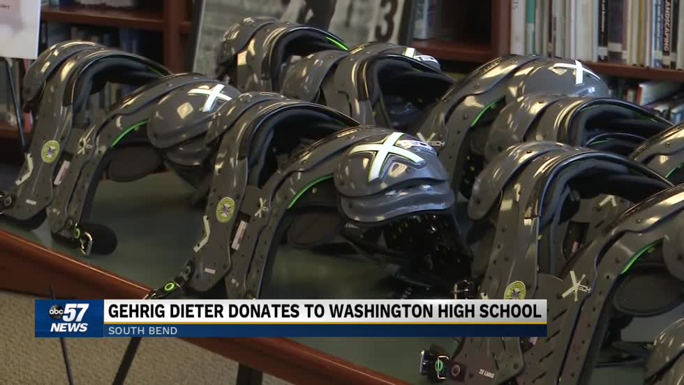Former Kansas City football player gives back to Washington High School