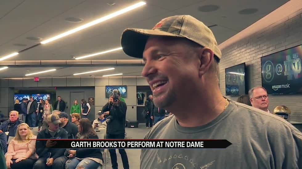 Garth Brooks makes history at Notre Dame Stadium