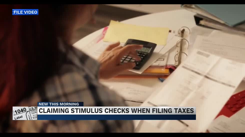 Experts weigh in on how stimulus checks might impact your taxes