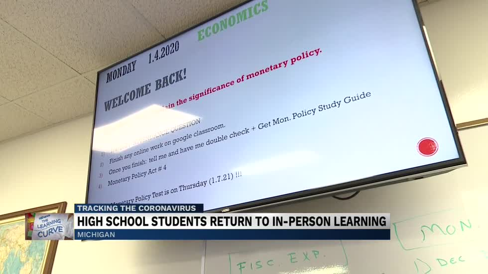 Michigan high schools return to in-person class