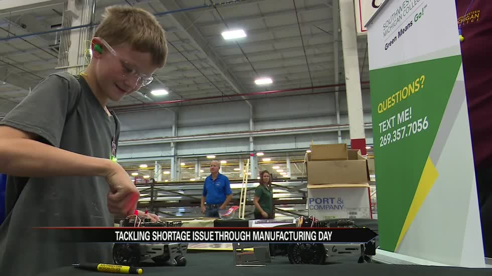 Michigan manufacturers tackle worker shortage by reaching out to students