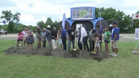 Officials hold groundbreaking ceremony at Pulaski Park