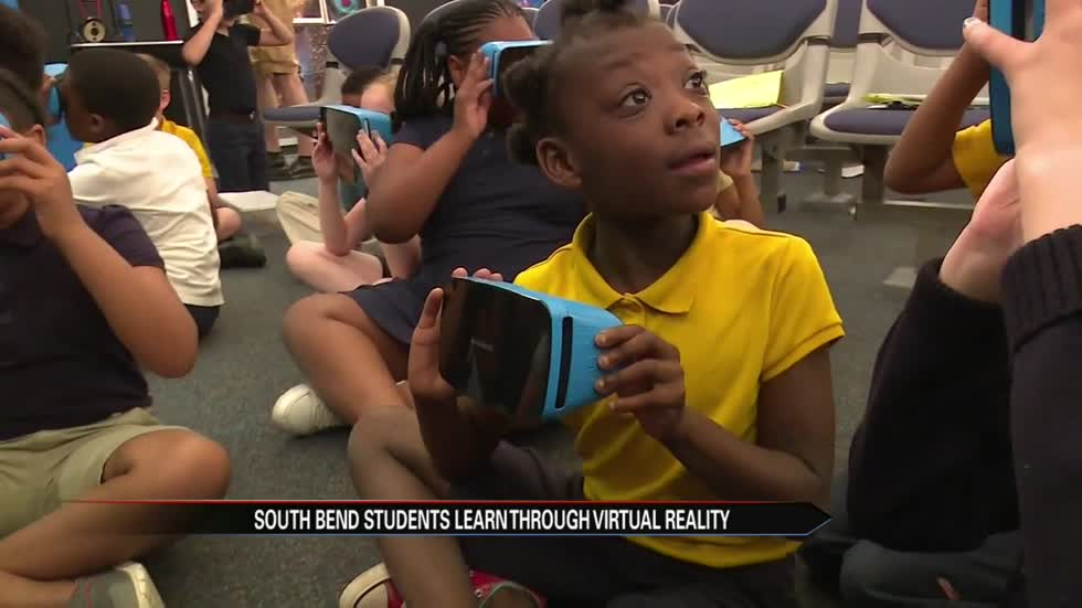 South Bend students explore the world through virtual reality