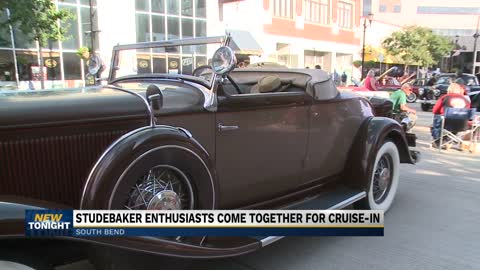 Studebaker Cruise-In event held in downtown South Bend