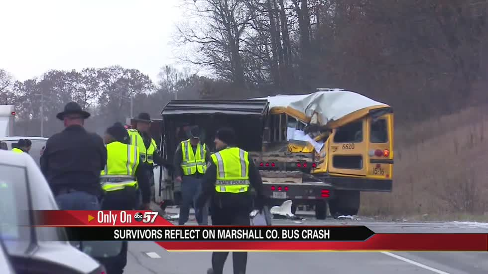 Police report: Driver in fatal bus crash was taking sweatshirt off just before impact