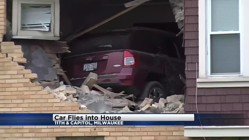 Car crashes into house near Capitol Drive on Milwaukee's north side