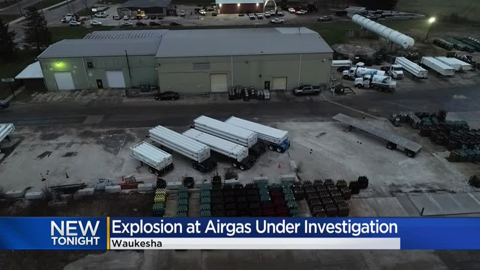 Fire department responds to explosion at Airgas in Waukesha; 1 employee injured