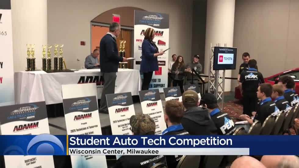 High school students participate in Milwaukee Auto Show competition