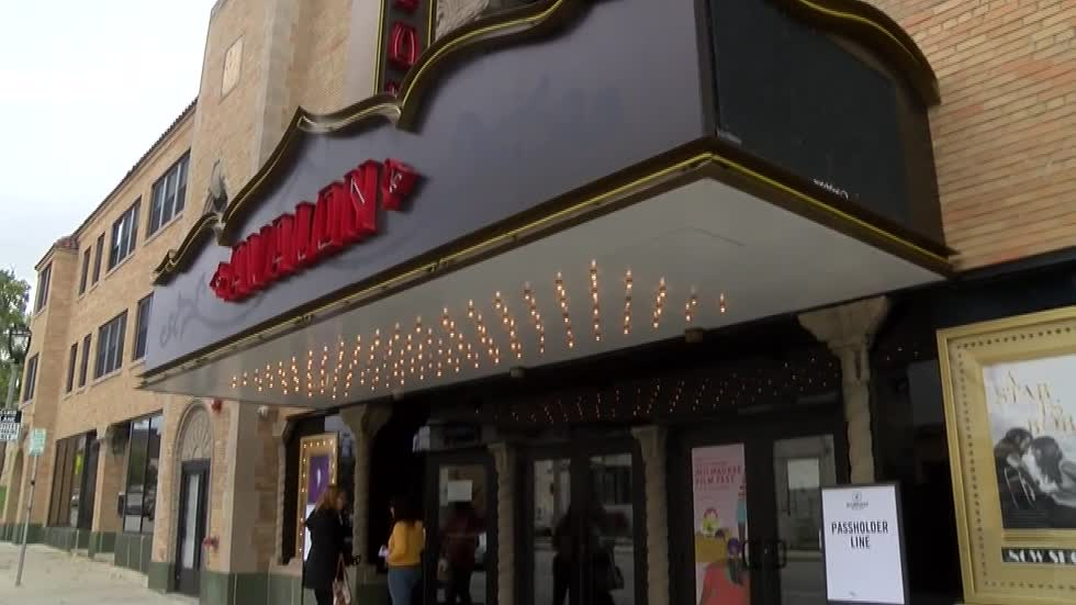 Strong wind knocks out power to Avalon Theater during Milwaukee Film Festival