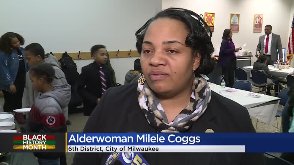 Alderwoman Coggs hosts Black History Month 'read-in' at MLK library