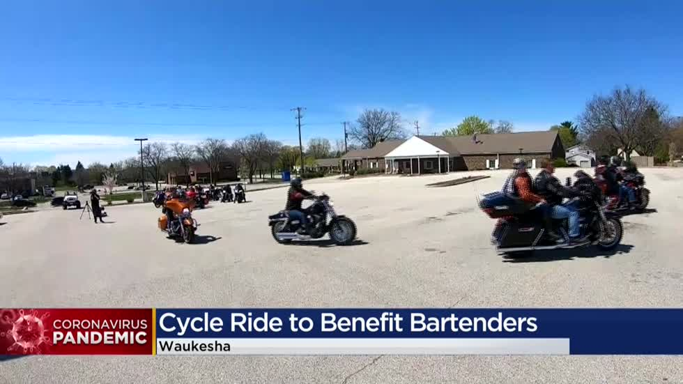 'It means a lot to us': Wisconsin motorcyclists donate to bars where they're regular customers