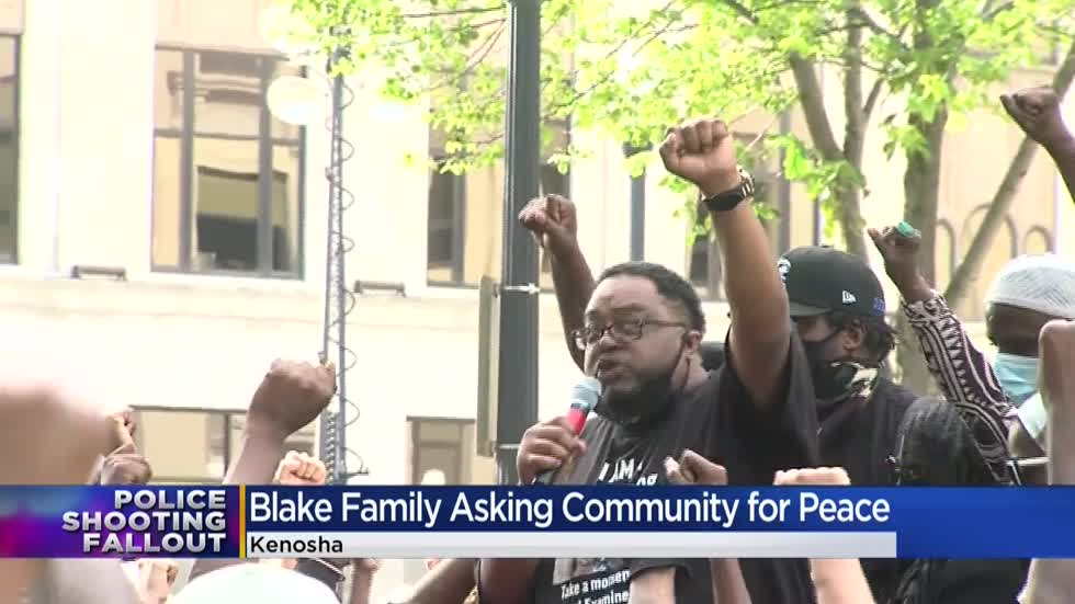 'It's time for a change': Jacob Blake's family returns to Kenosha for large rally, march