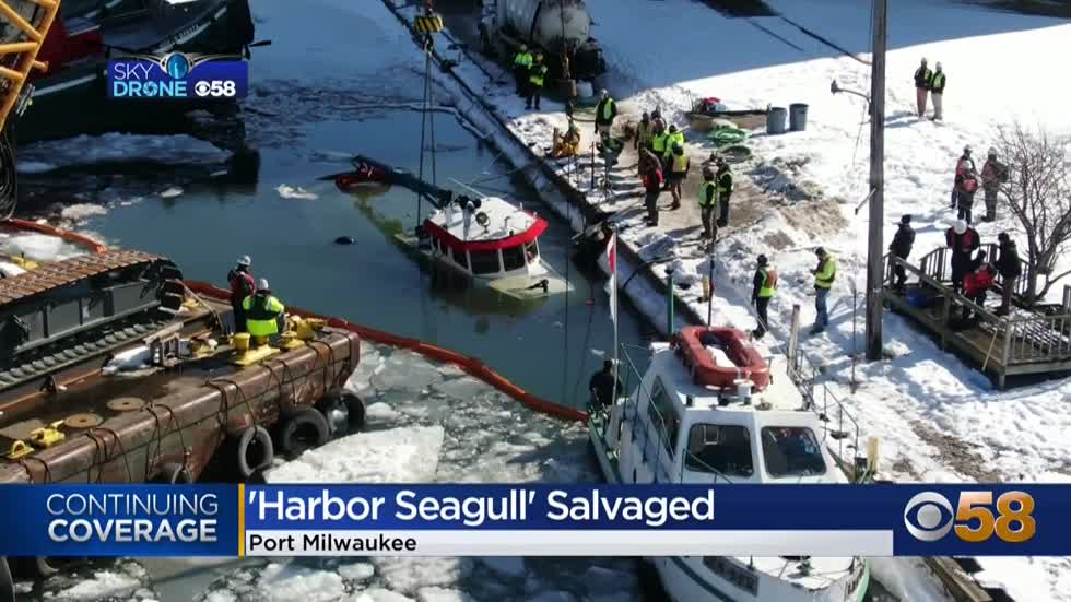Sunken Port Milwaukee workboat pulled from water