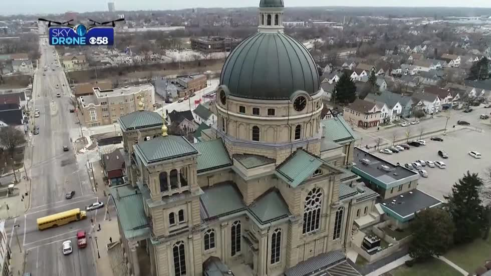 Archdiocese of Milwaukee makes 'difficult decision' to delay public mass at south side parishes