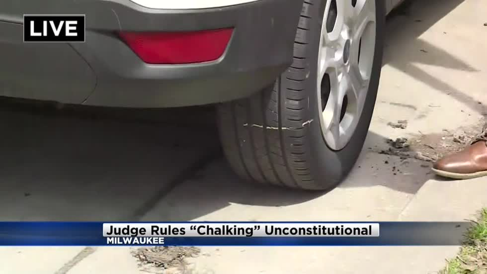 "Milwaukee reviewing ""chalking"" ticket policy"