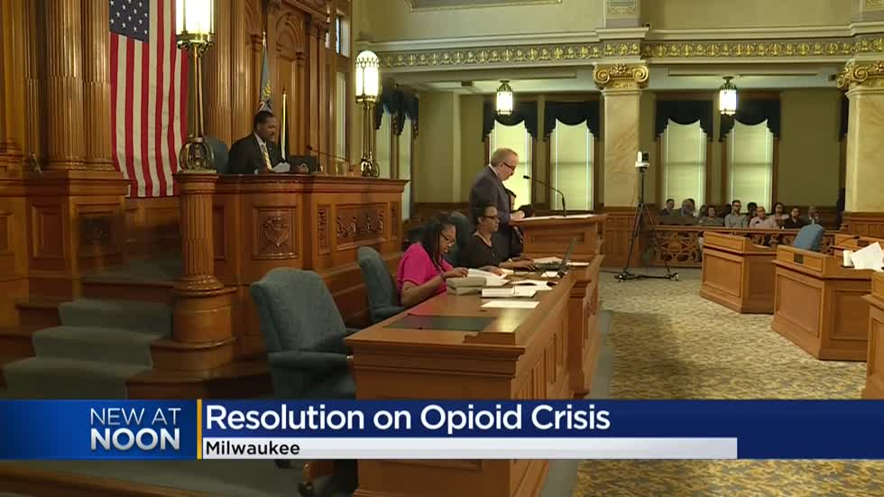Milwaukee Common Council OKs City Attorney to seek outside counsel against drug makers, distributors