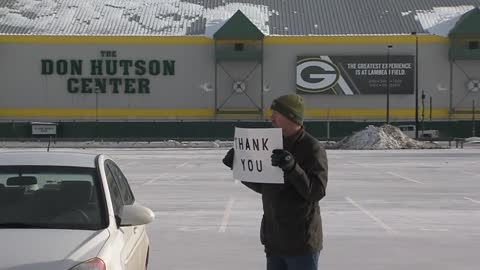 """Thank you:"" One fan stood alone at Lambeau Field while players cleared out lockers"