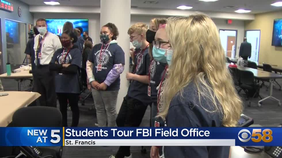 West Allis middle schoolers tour FBI field office to learn how...