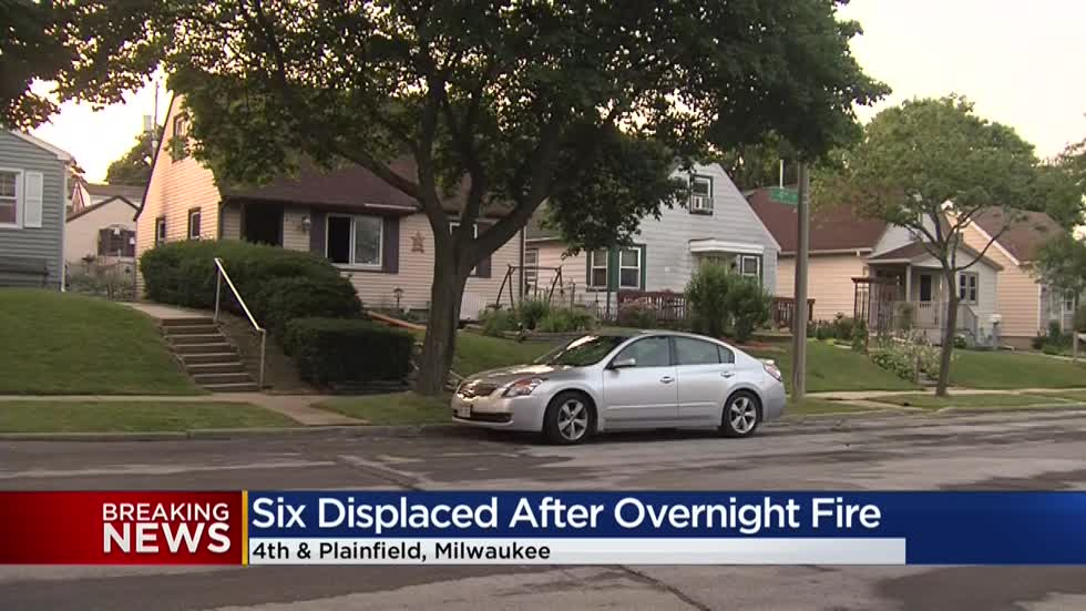 6 people displaced in fire on Milwaukee's south side