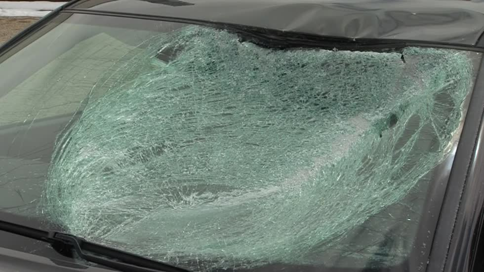 """There was glass flying everywhere:"" Ice flying off vehicles causing damages, injuries after April snowstorm"