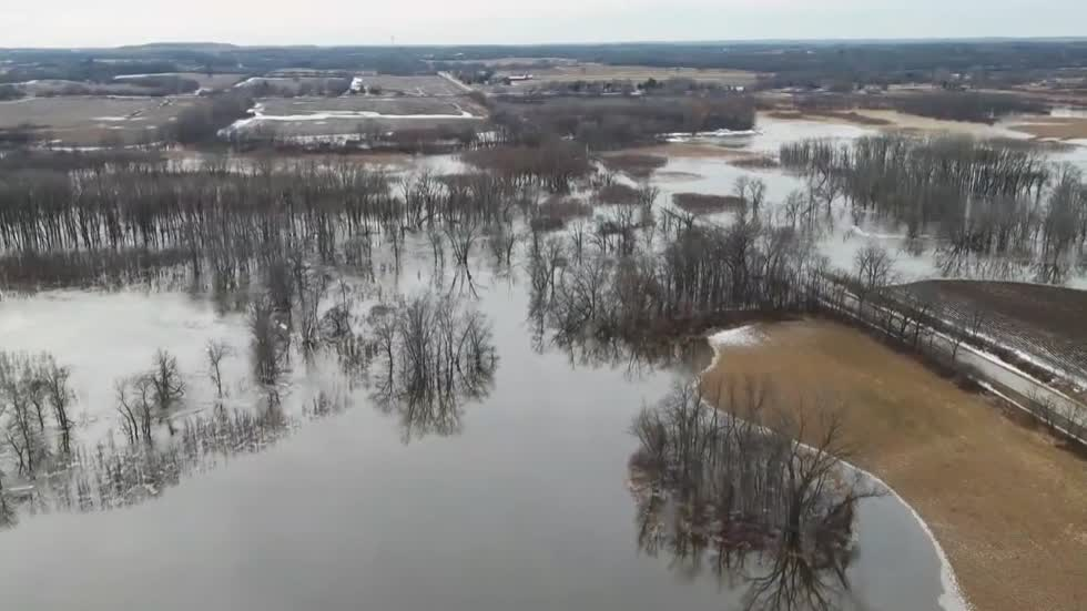 """This is the worst I've seen it:"" Residents in Franklin and Mequon deal with frozen flood water"