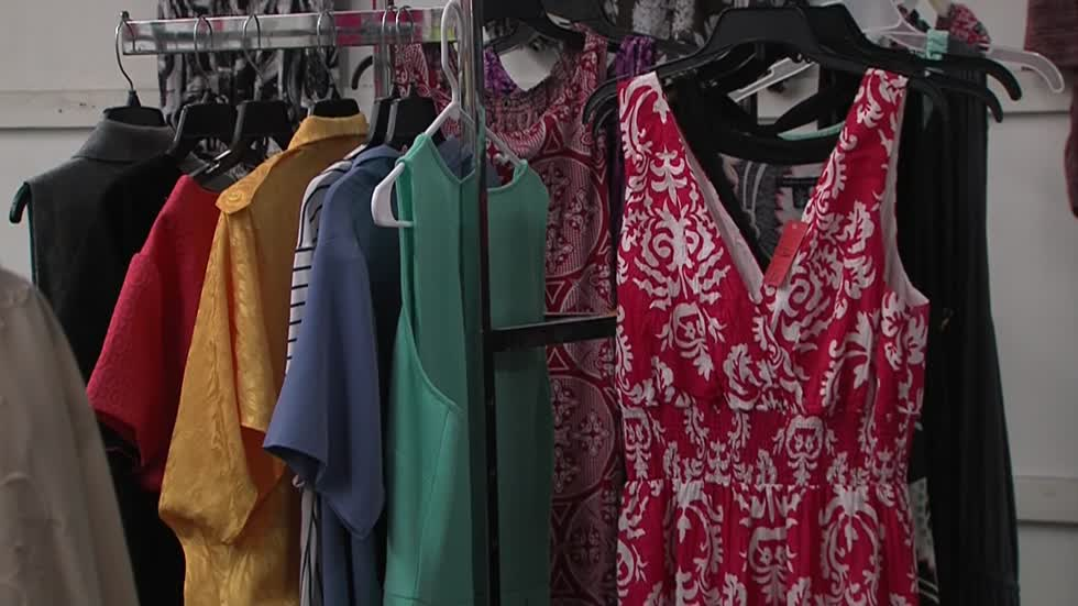 Store at Milwaukee Mall donates outfits to working women
