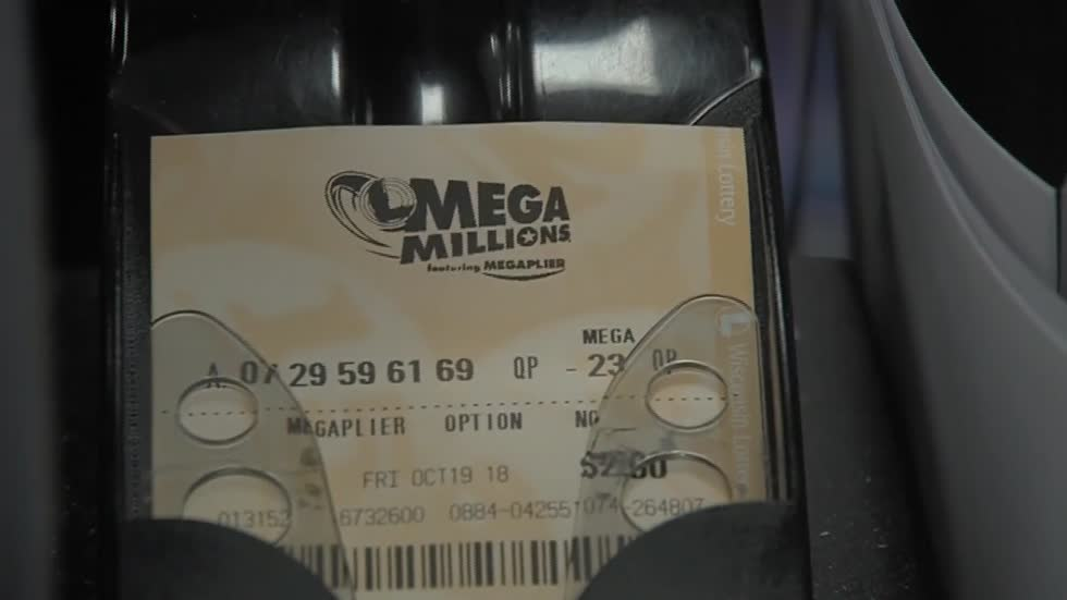 Wisconsinites trying out their luck as Mega Millions jackpot increases to $1 billion