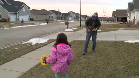 Milwaukee Brewers buy Girl Scout cookies from Oconomowoc girl