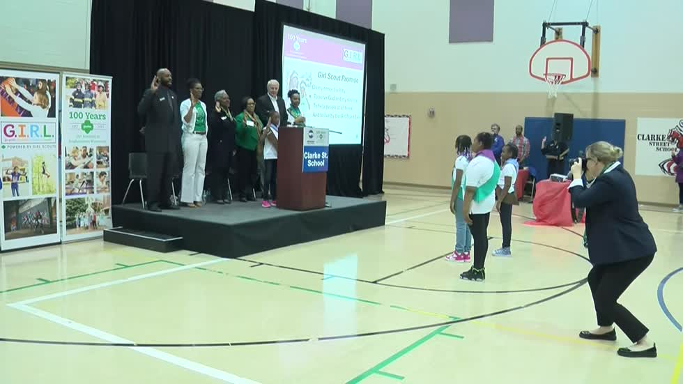Clarke Street School in Milwaukee helps Girl Scouts celebrate 100 years