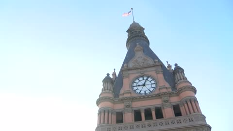 Glad You Asked: What's on top of Milwaukee City Hall?