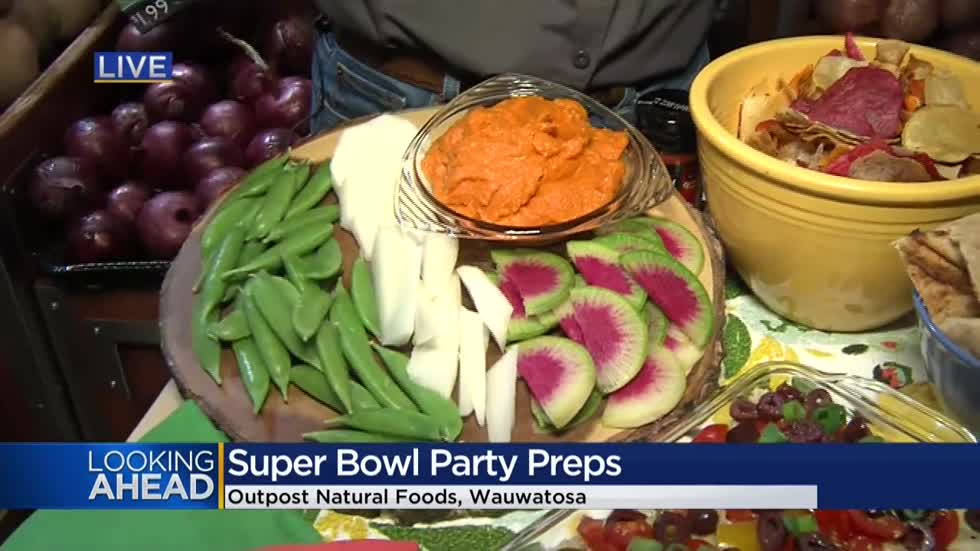 Don't stuff yourself with chips and dip on Super Bowl Sunday, go deep with your veggies and fiber 🏈