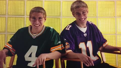Packers-Vikings rivalry divides Wisconsin twins