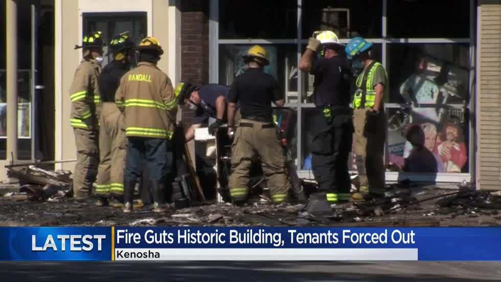 Fire destroys apartments, businesses in historic Kenosha building