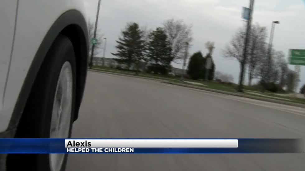 Police: Children fall out of moving van, dad later arrested in Sheboygan