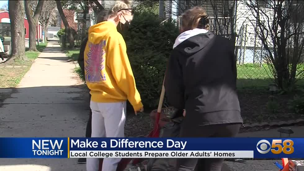 College students give back on Make A Difference Day in Milwaukee