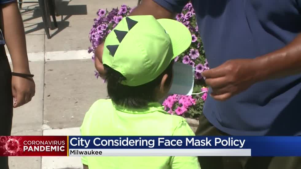 Milwaukee mayor, aldermen working on citywide face mask policy