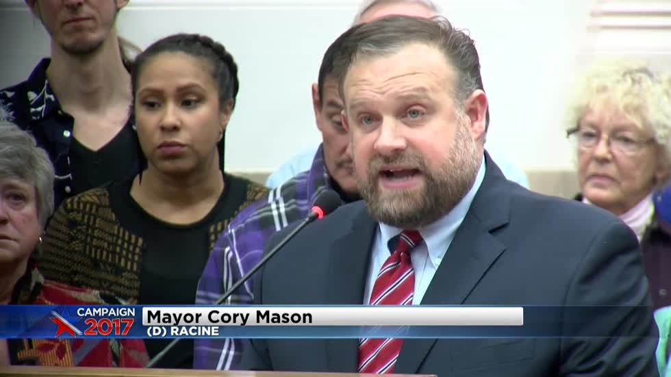 New Racine Mayor Cory Mason sworn in during Common Council meeting