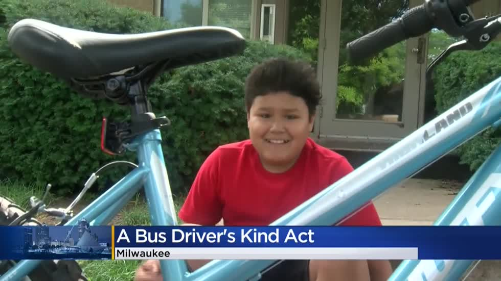 'The kindest, most generous thing:' MCTS driver surprises Milwaukee boy with new bike