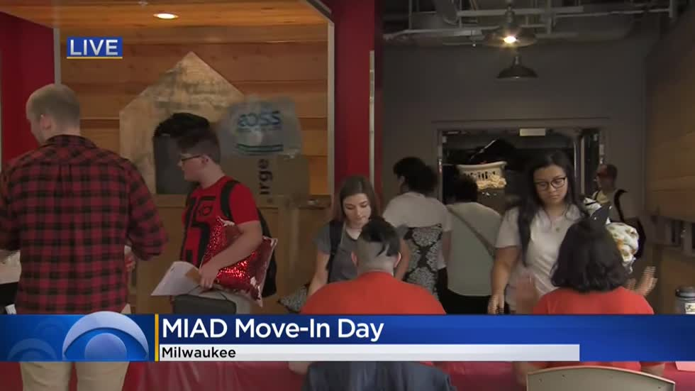 MIAD first-year students move-in, marking record enrollment at school