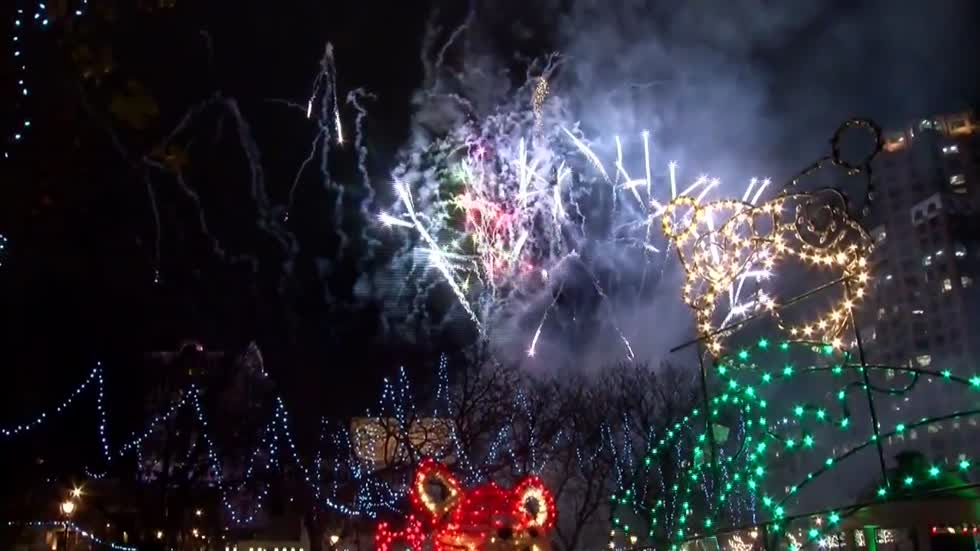 Milwaukee announces details for Holiday Lights Festival
