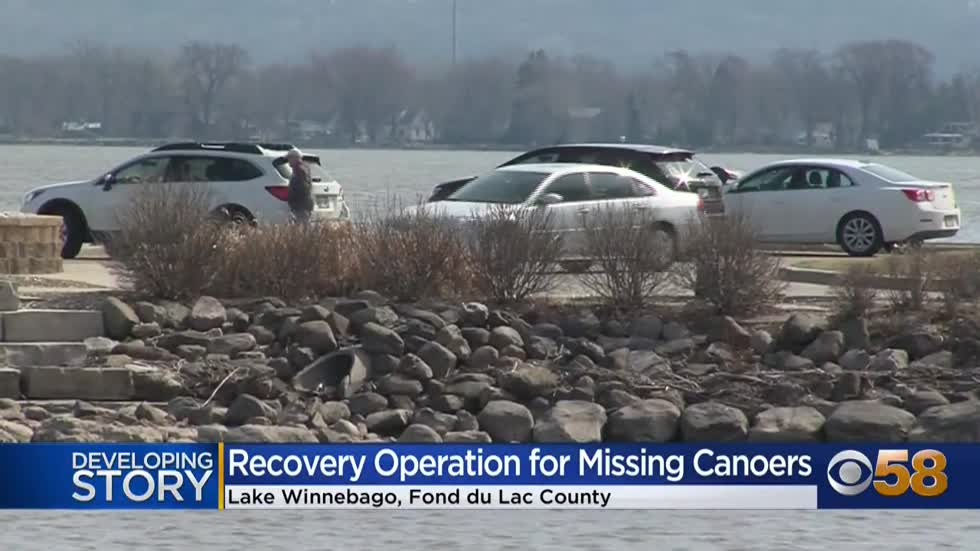 Divers recover body presumed to be second canoeist who went missing on Lake Winnebago