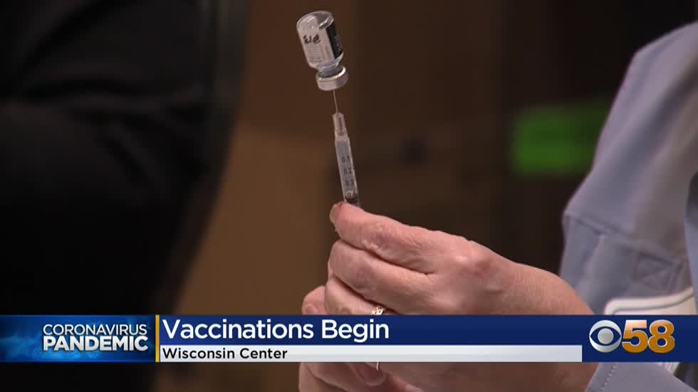 'This is a huge step': COVID-19 vaccine site opens at Wisconsin Center